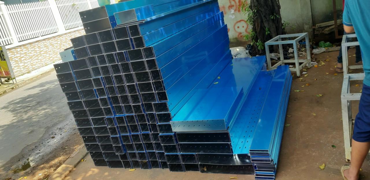 Thang máng cáp 2500x200x200